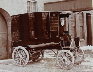 MarkXI Electric Delivery Wagon Hartford 1899 photo