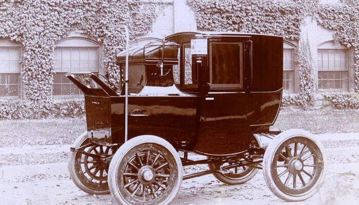 Mark XVI Electric Brougham Cab 1900