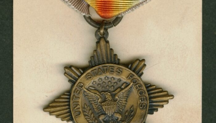 Great War Commemorative Medals Presented to Returning Veterans